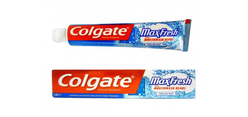 COLGATE Zubní pasta MAXFRESH tingling mint 75ml